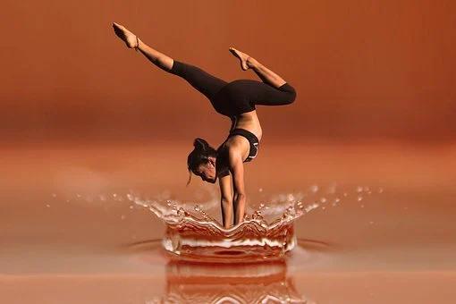 yoga 78 posture releve en equilibre
