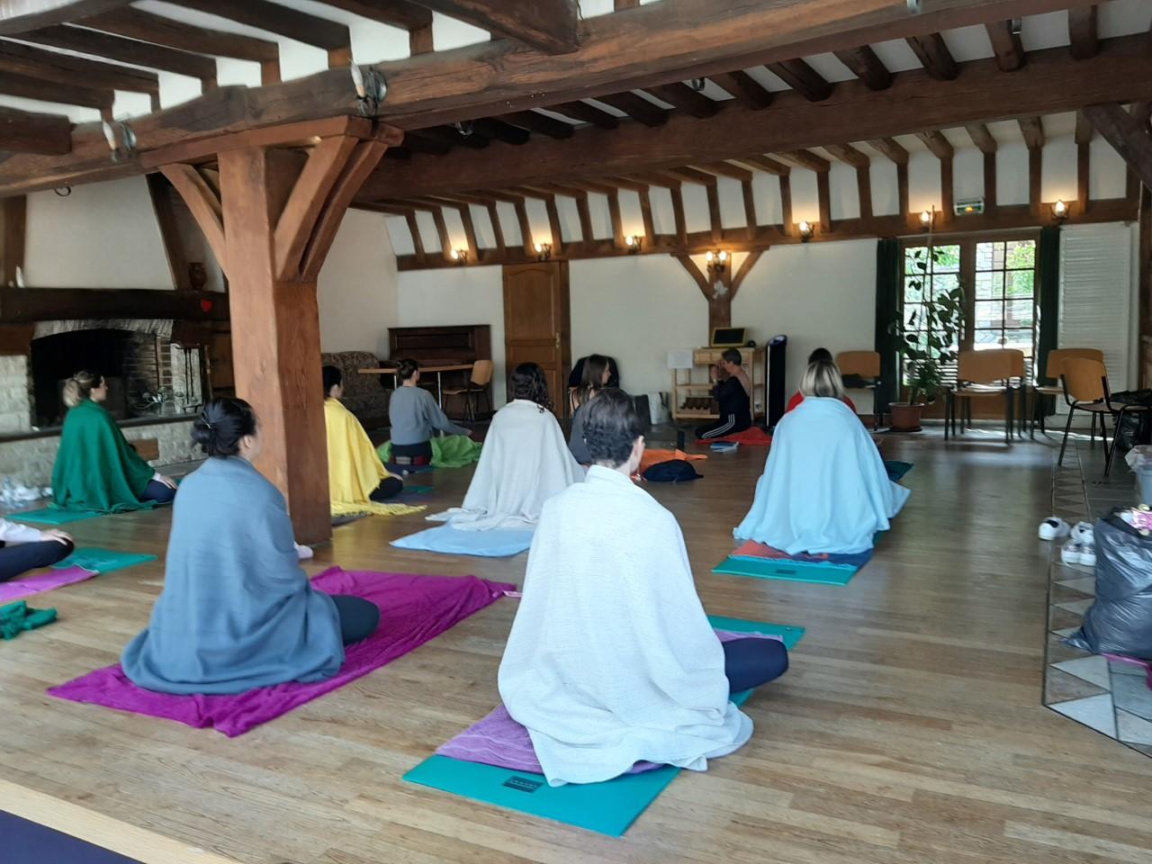 cours collectif yoga breuil-bois-robert